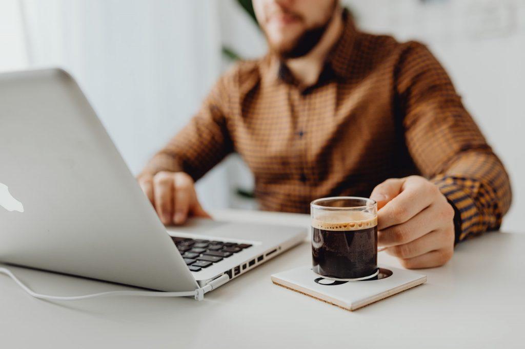 warianty usługi w sprzedaży online